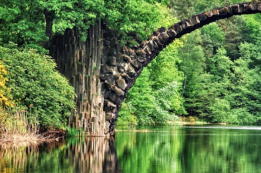 De Raad van Mediators Beautiful Bridges Rakotz bridge in Kromlau Germany